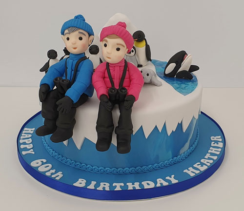 Antartica-themed-cake-with-figures