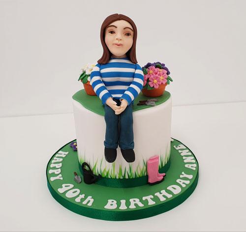 Gardening-cake-with-figure