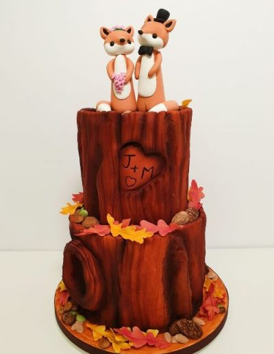 2-tier-Woodland-wedding-cake-East-Yorkshire