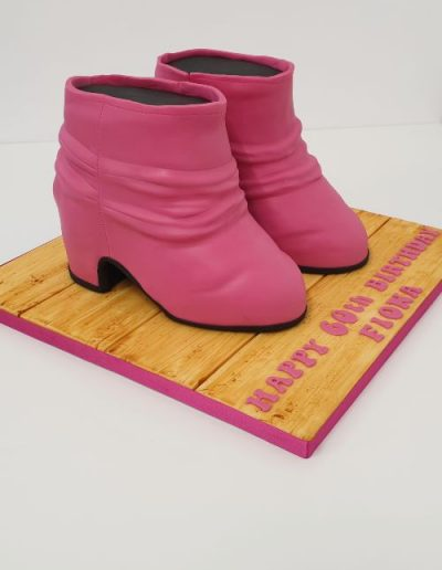 Ankle-boots-carved-cake-East-Yorkshire