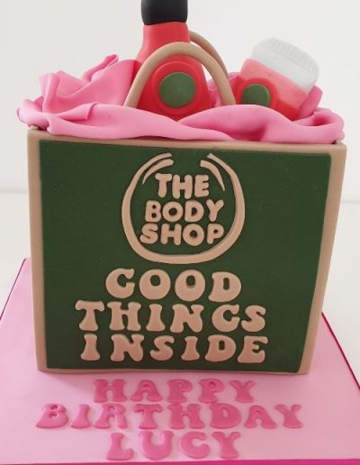 Body-shop-bag-cake-east-yorkshire