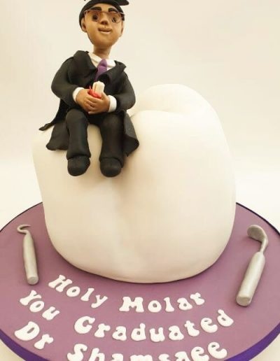Dentist-tooth-carved-graduation-cake-East-Yorkshire