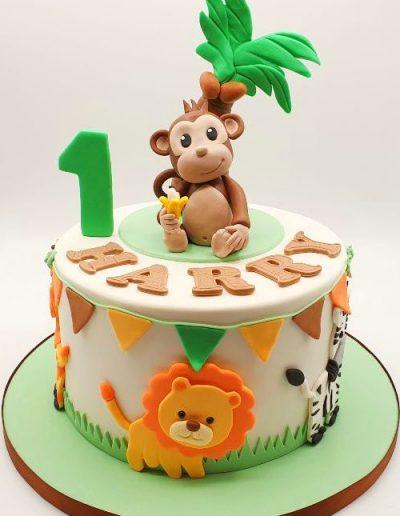 Jungle-animal-themed-birthday-cake