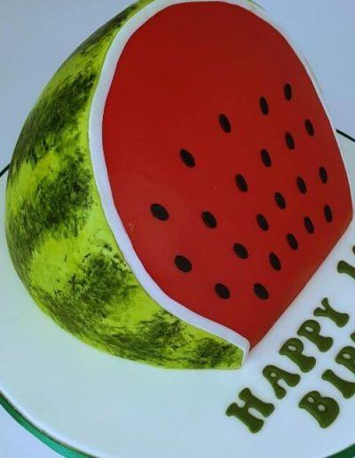 Watermelon-slice-illusion-carved-cake