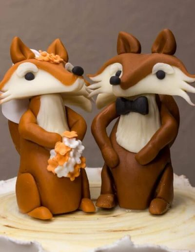 Woodland-Fox-Wedding-Cake-Toppers-Bride-and-Groom-East-Yorkshire