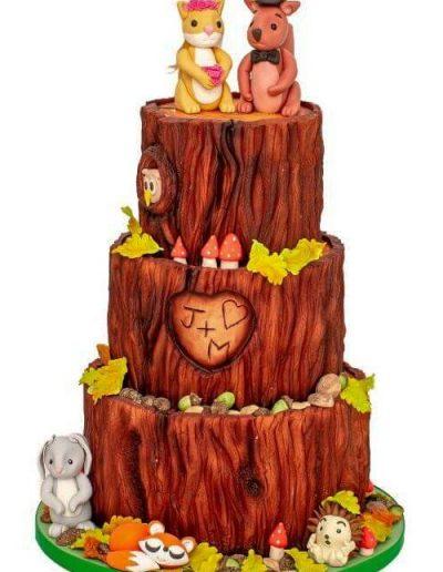 Woodland-novelty-wedding-cake-East-Yorkshire